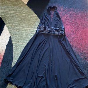 EUC Jones Wear sexy and elegant black halter top